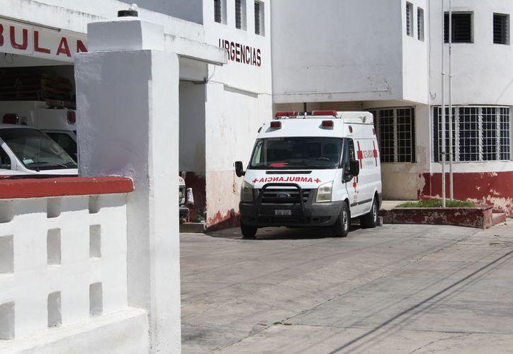 La Cruz Roja, delegación Chetumal, necesita otra ambulancia para prestar el servicio a la comunidad. (Joel Zamora/SIPSE)