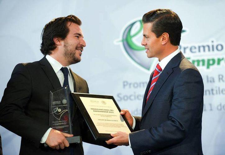 Peña Nieto dijo que los emprendedores son parte esencial del México moderno. (Presidencia)