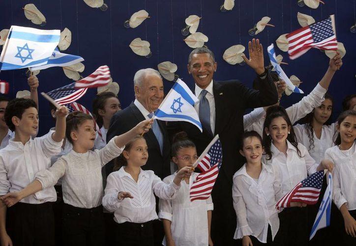 El presidente Barack Obama y el presidente israelí Shimon Peres en Jerusalén. (Agencias)