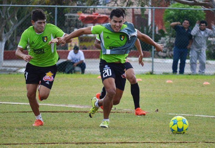 Venados de Yucatán, goleados en tres de sus últimos cinco partidos, enfrentan este viernes a Leones Negros. (SIPSE)