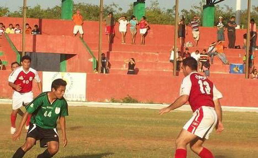 Rayados Mérida sigue como líder en Primera Fuerza A al término de las primeras nueve fechas del campeonato. (Milenio Novedades)