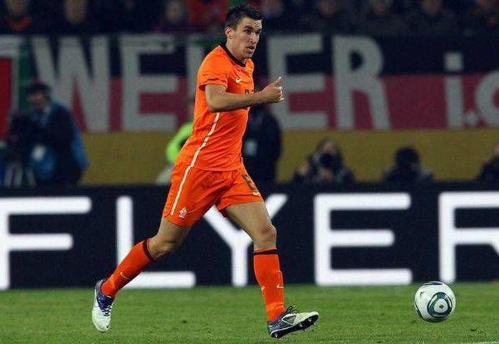 Strootman fue uno de los jugadores holandeses claves durante la eliminatoria mundialista. (mirror.co.uk)
