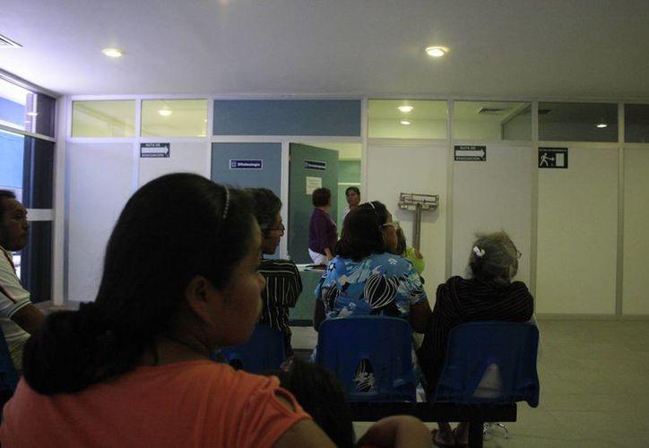 Buscan evitar que los enfermos sean enviados a Mérida para continuar el proceso médico. (Harold Alcocer/SIPSE)