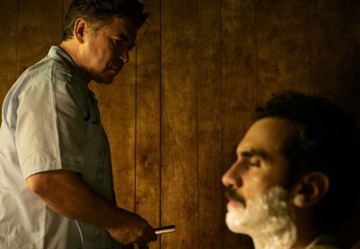 """""""Contrapelo"""" es la historia de un barbero obligado a afeitar al líder de un sanguinario cártel. Este trabajo de  Gareth Dunnet-Alcocer es aspirante a los premios Oscar. (monterreyfilmfestival.com)"""