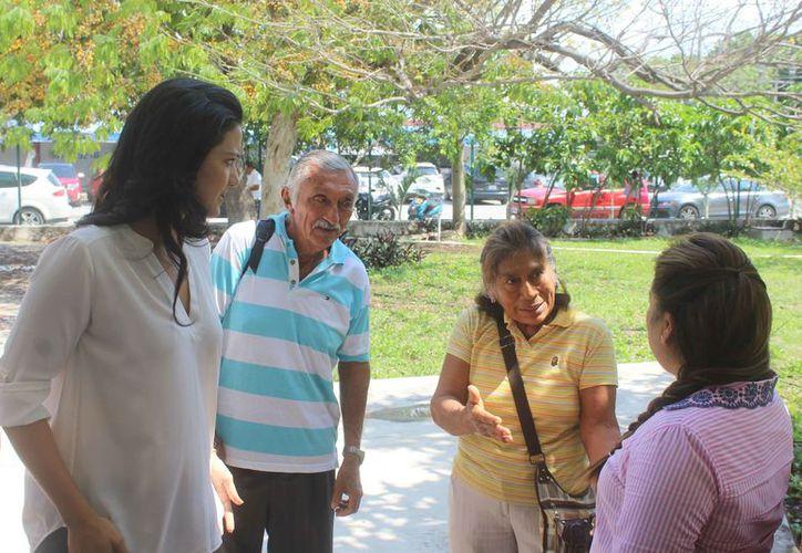 El delegado de la comunidad platicó el problema a la presidenta municipal. (Sara Cauich/SIPSE)