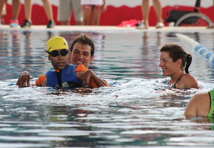 Actualmente tiene 17 años y en mayo de 2014 daba sus primeros pasos en el deporte. (Gustavo Villegas/ SIPSE)