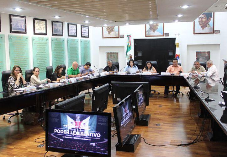 legisladores locales determinaron incluir en el paquete, las iniciativas entregadas por el diputado Pedro Kumamoto. (Joel Zamora/SIPSE)