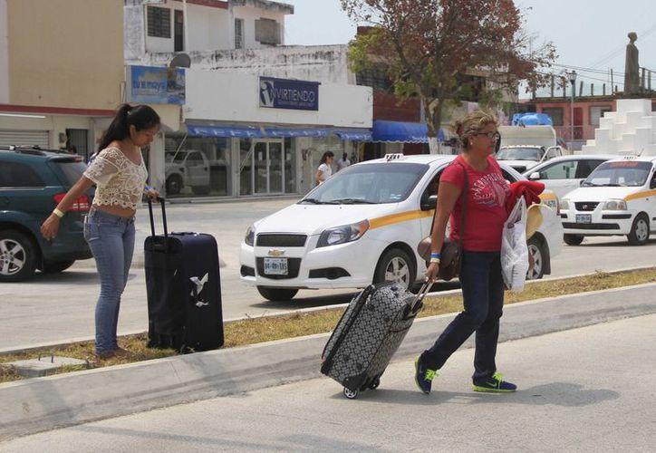 Las autoridades turísticas esperan el arribo de vacacionistas que aprovecharán el megapuente. (Harold Alcocer/SIPSE)