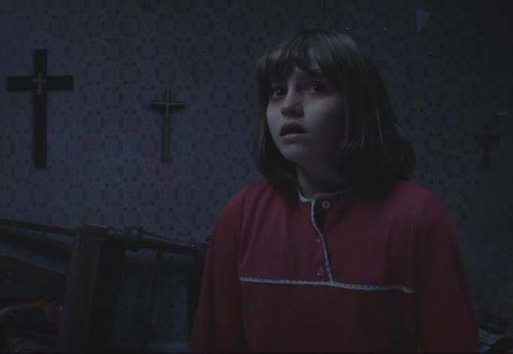 Ed y Lorraine Warren se enfrentarán a la posesión de una niña de 11 años en Inglaterra en la segunda parte de la película de terror.(Captura de pantalla)