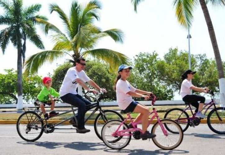 Toda la familia podrá participar en rodada para festejar el Día Mundial de la Bicicleta. (Contexto/Internet)