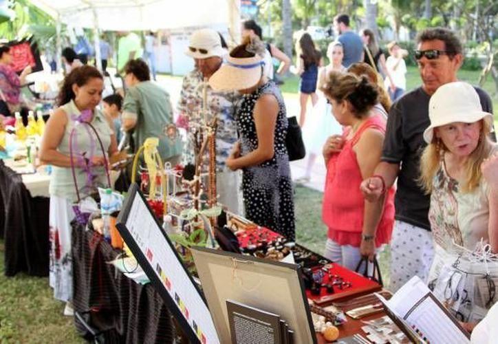 Más de 80 artesanos de la región participaron en el evento.  (Foto: Archivo/SIPSE)