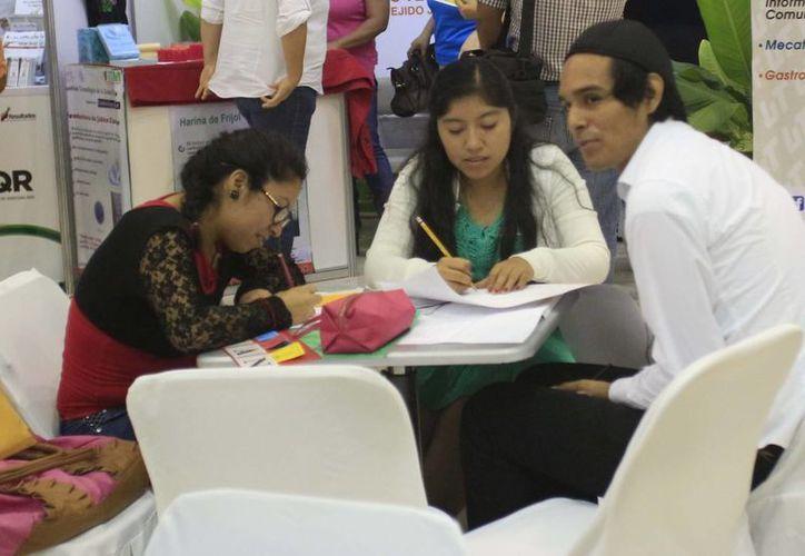 Los jóvenes, de 12 a 29 años de edad, tuvieron la oportunidad de recibir apoyo para lograr sus proyectos. (Harold Alcocer/SIPSE)