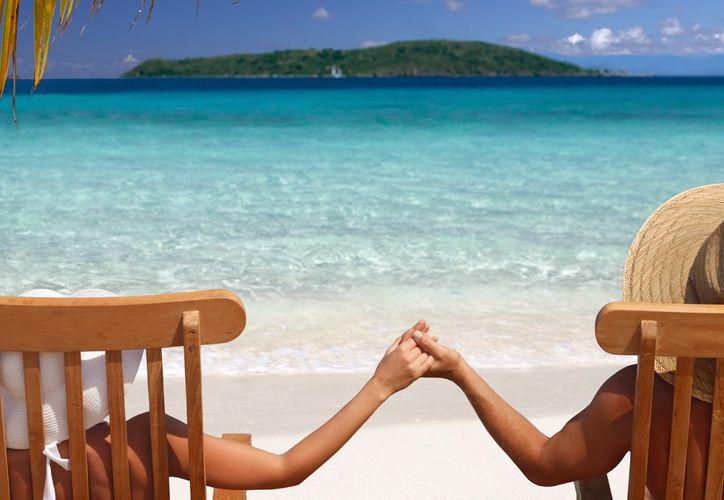 El amor que podemos encontrar en las vacaciones es mucho más apasionado y espontáneo. (Tecnología social)
