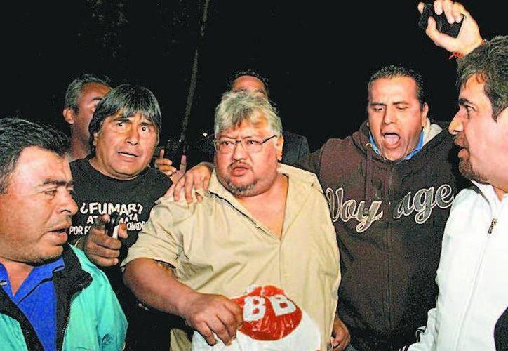 """Sus compañeros lo recibieron con el grito de """"¡Alejandro general!"""". (Daniel Cruz/Milenio)"""