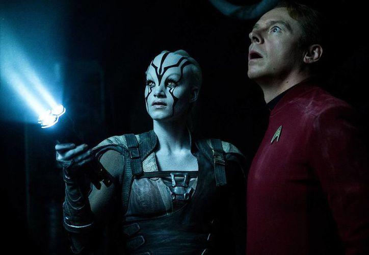 Una muy amena súper producción de verano que quizá sólo desilusione a los más idealistas fans de Star Trek, pero aun ellos se divertirán. (Contexto/Internet)