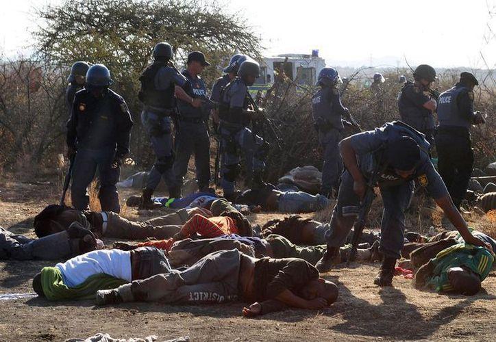 La policía sudafricana hirió a varias personas. (Archivo/Agencias)