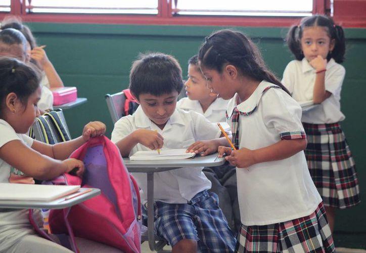 Ayer inició formalmente el ciclo escolar 2014-2015 en la entidad.  (Gustavo Villegas/SIPSE)