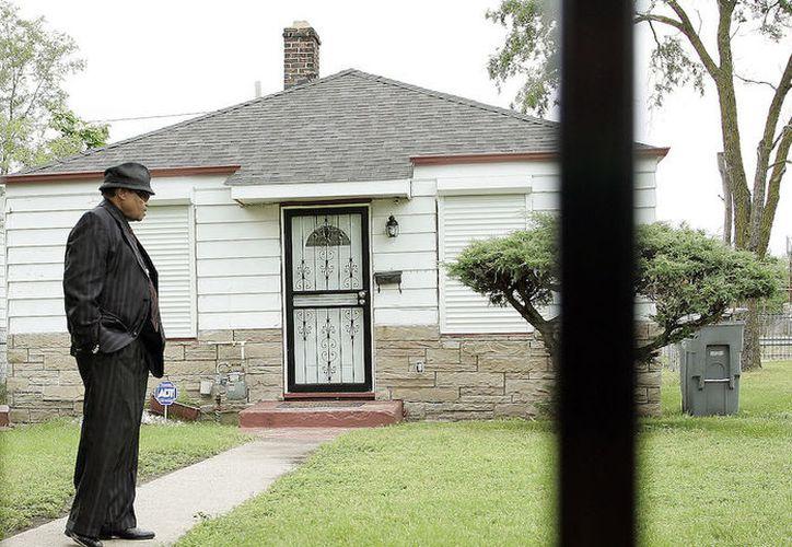 Fachada de la casa donde creció Michael Jackson, en Gary, Indiana; en la imagen, Joe Jackson. (Getty Images)