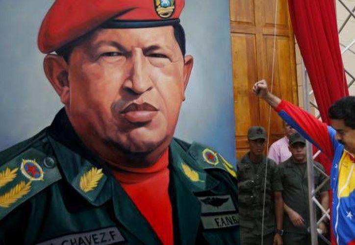 La última declaración de Maduro sobre Chávez, fue que en ocasiones duerme sobre su tumba. (Archivo/Reuters)