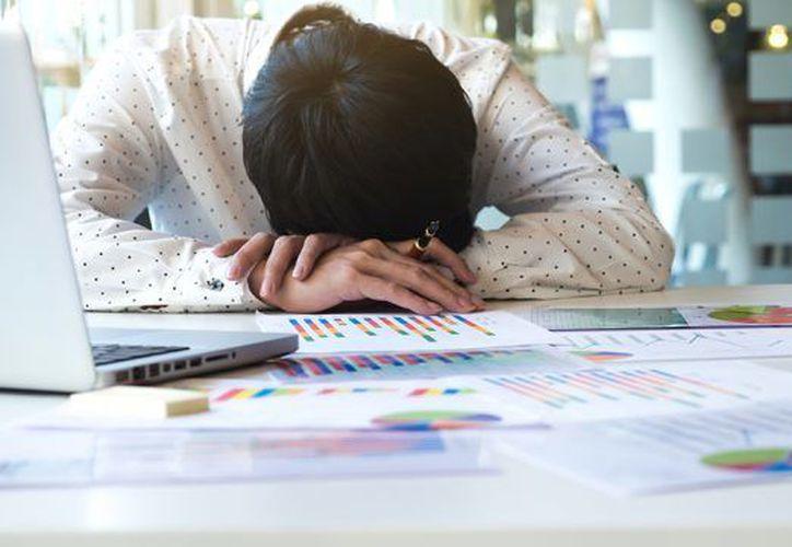 El 'burnout' provoca pérdidas por más de 16.000 millones de pesos anuales en el sector productivo de México. (Forbes).