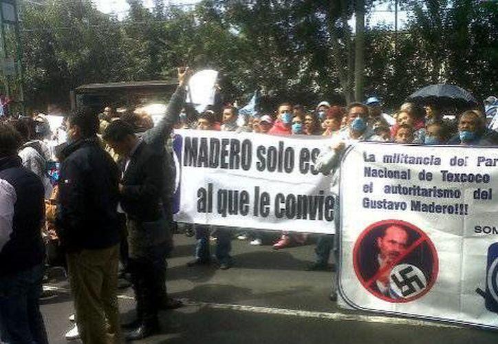 Manifestación en contra de la llegada de Oscar Sánchez a la dirigencia estatal del PAN. (Milenio)