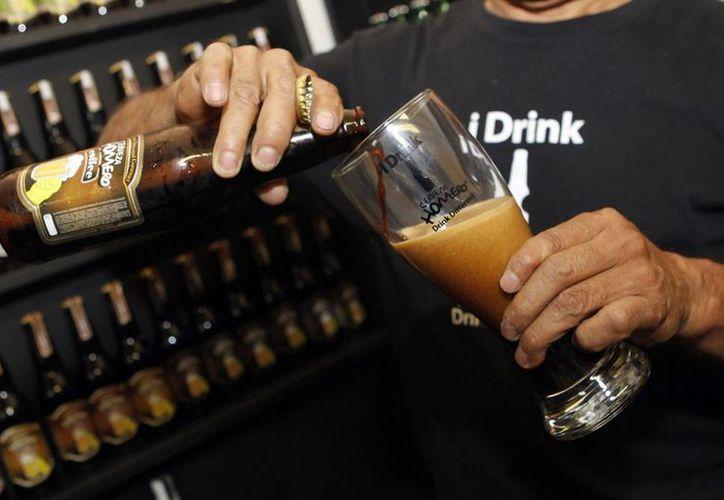 Libro árabe aconseja sobre diversas formas de consumir alcohol sin que le haga daño al cuerpo. (Foto de contexto/Notimex)