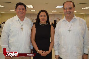 Jóvenes recibieron sacramentos de Monseñor