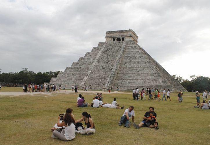 En el Castillo de Chichén Itzá se efectuará el próximo lunes 22, uno de los fenómenos de luz y sombra más esperados del año. (Israel Leal/SIPSE)
