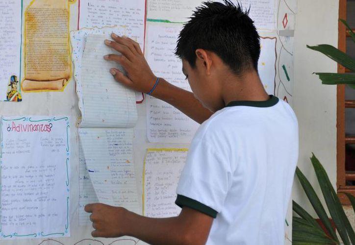 Alrededor de dos mil estudiantes fueron cambiados de escuela o de turno. (Harold Alcocer/SIPSE)