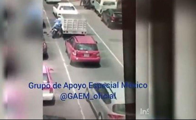 El video de un presunto intento de asalto en la avenida Ferrocarril de Cintura, en la Colonia Morelos se hizo viral en redes sociales. (UnoTV)