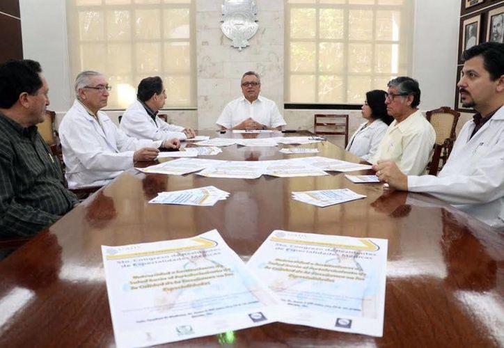 La Facultad de Medicina de la Uady organizará el Congreso de Especialidades Médicas, los días 9 y 10 de febrero. (Milenio Novedades)