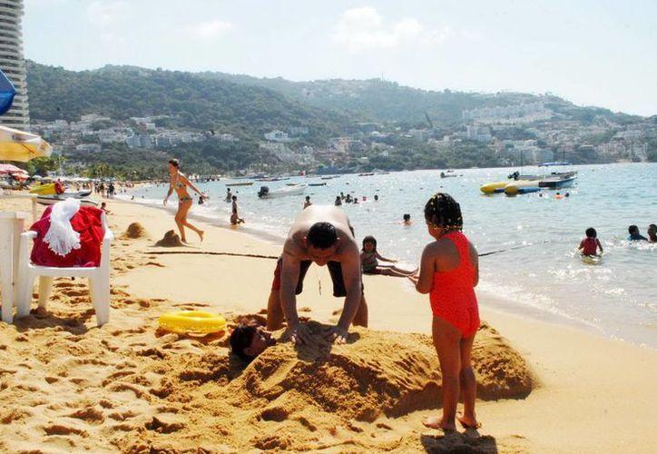 La violación de turistas españolas pone en peligro la afluencia de visitantes a Acapulco. (Notimex/Archivo)