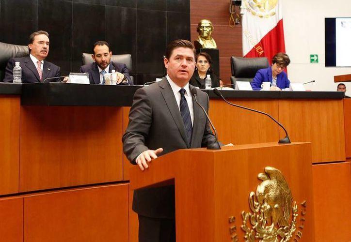 El ex gobernador de Nuevo León, Rodrigo Medina, fue vinculado a proceso por ejercicio indebido de funciones. (facebook.com/RodrigoMdelaCruz)
