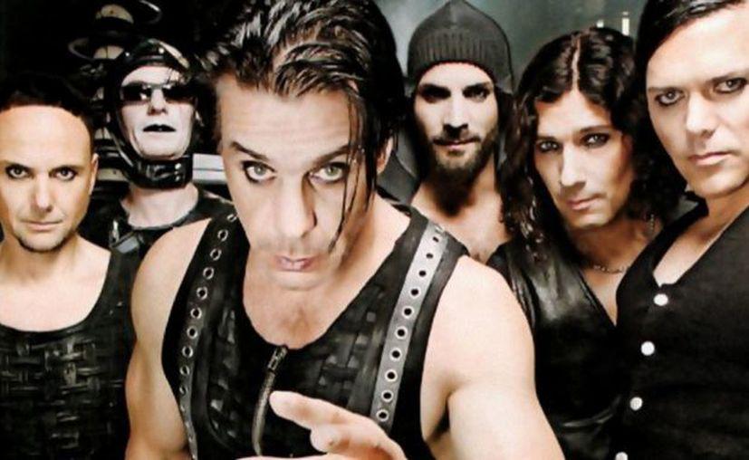 El vocalista de la banda alemana Rammstein, visitó el festival musical Zhará ('Calor') que se celebra entre los días 27 y 30 de julio. (Todo música)