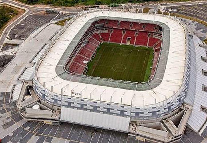 """La ciudad de Recife, sede del estadio Arena Pernambuco, se niega a gastar en un """"fan fest"""" como el que quiere FIFA.  (Agencias)"""