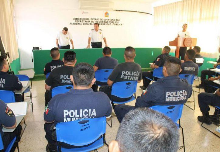 El curso tiene el propósito de desarrollar las competencias, capacidades y habilidades de cada uno de los gendarmes. (Cortesía/SIPSE)