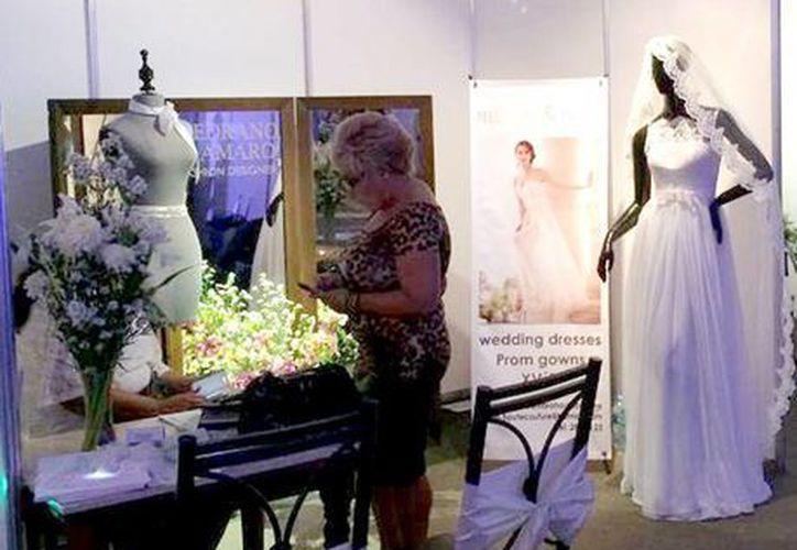 Empresarios yucatecos van por el turismo de bodas europeo y estadounidense. En los stands de la Expo Boda 2014 ofrecieron numerosas promociones y descuentos. (Milenio Novedades)