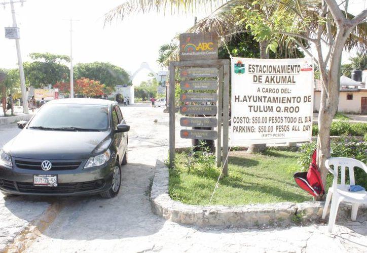 Los habitantes de Puerto Aventuras quieren tener libre acceso a las playas de Akumal. (Adrián Barreto/SIPSE)