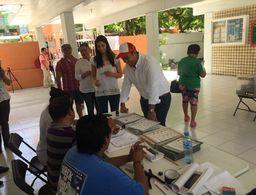 Vota Juan Carrillo Soberanis en Isla Mujeres