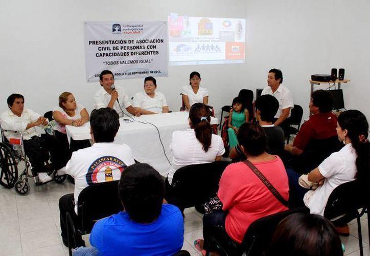 Ofrecen apoyo a la nueva asociación para personas discapacitadas. (Redacción/SIPSE)