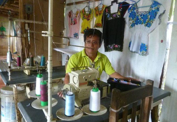 El artesano señaló que la agrupación nunca recibió apoyo del presidente municipal. (Raúl Balam/SIPSE)