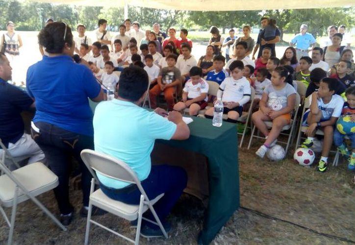 En el club participan alrededor de 60 niños. (Miguel Maldonado/SIPSE)