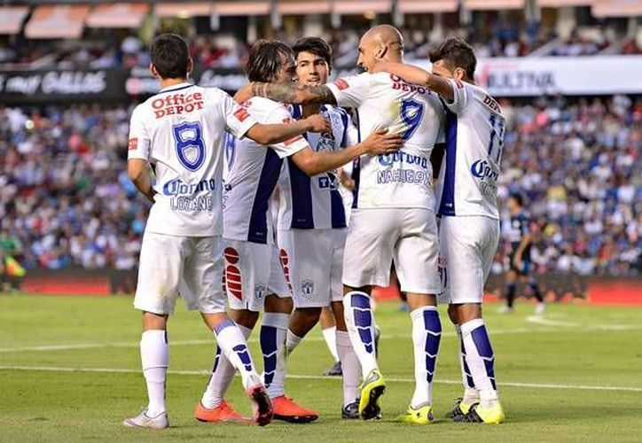 Ariel Nahuelpán (9) dio el triunfo a Tuzos de Pachuca contra Gallos Blancos, que se habían puesto adelante en el marcador en partido de la fecha 2 de la Liga MX. (mexsports.com)