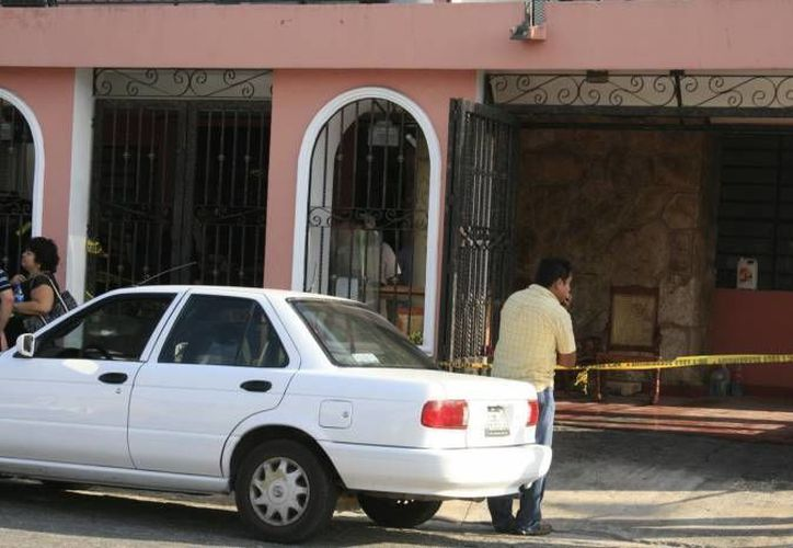El funcionario salía de su domicilio cuando fue sorprendido por varios hombres que le dispararon. (Agencias/Foto de contexto)