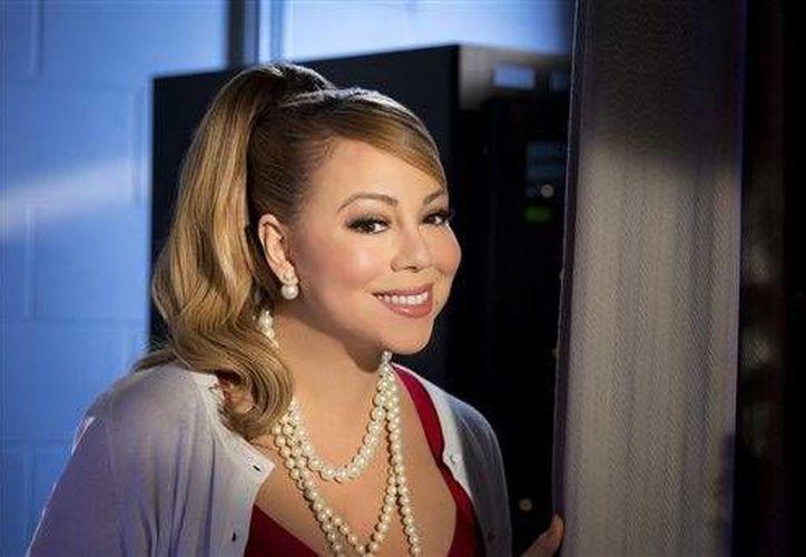 La estrella pop, Mariah Carey fue hospitalizada ayer en Nueva York debido a un cuadro de gripe severa, informó su representante.- (AP)