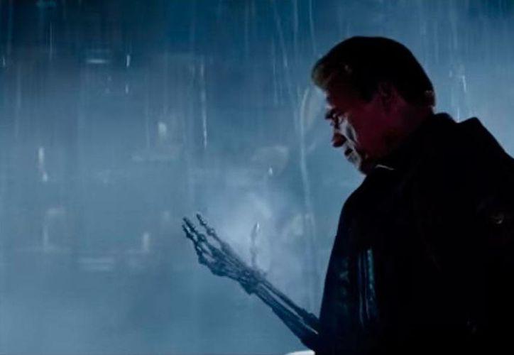 Captura de pantalla del tráiler oficial de la película Terminator Genisys, protagonizada por Arnold Schwarzenegger. (YouTube/Terminator Genisys)