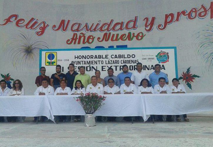 Toma de protesta de la planilla del alcalde que encabezó René Correa Moguel. (Raúl Balam/SIPSE)