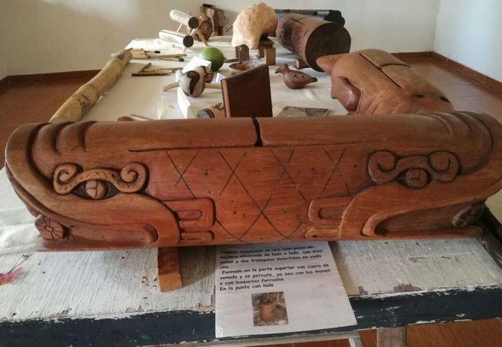 Entre los instrumentos rescatados se encuentran caracoles, flautas, tambores, caparazones de tortuga, entre otros. (Jesús Caamal/SIPSE)