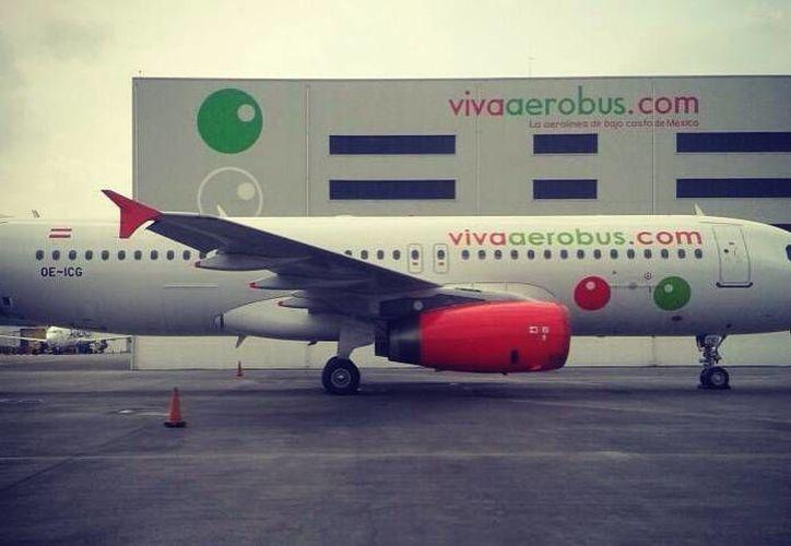 Airbus suscribió un convenio con VivaAerobus para capacitar a cientos de pilotos y personal de mantenimiento. (Facebook/VivaAerobus)