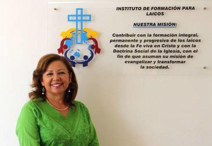 María de los Ángeles Matos González, Directora de Instituto Peninsular de Formación A. C., afirma que es una experiencia que no cambiaría por nada del mundo. (Milenio Novedades)
